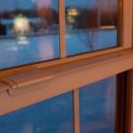 Okno plastikowe w kolorze brązowym - imitujące okno drewniane