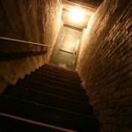Schody prowadzące do piwnicy