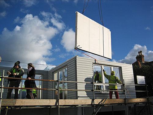 Budowa domu z prefabrykatu.