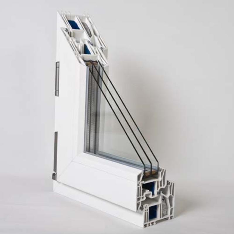 Przekrój profilu okiennego z szybą w oknie plastikowym.