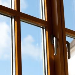 Okna PCV imitujące okna drewniane